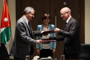 Optimiza and Department of Lands and Survey Sign an Agreement